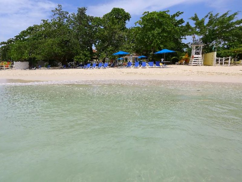 Merril´s Beach Resort II 10