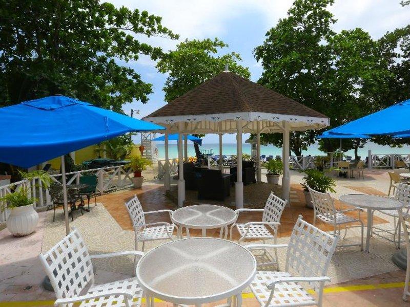 Merril´s Beach Resort II 26